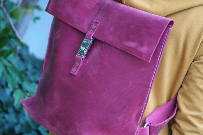Kožený batoh fuxia