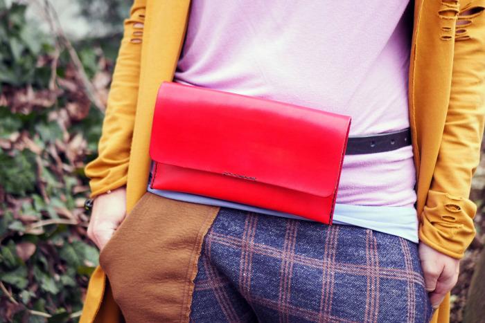 Ledvinka MontMat s páskem červená